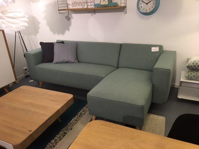 jame-met-sofa